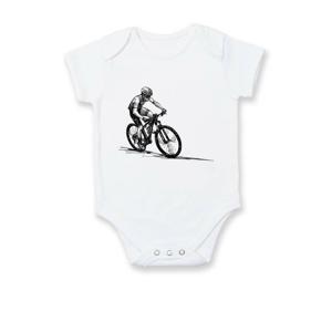 MTB cyklista a západ slnka - Dojčenské body